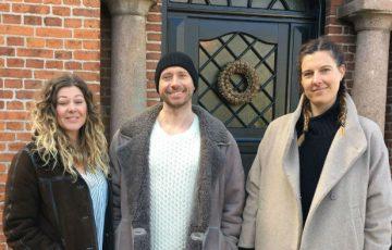 Anna og Lars Norrman samt deres ven Linda, som hjælper til med at realisere drømme om The Norrmans Boutique Bed and Breakfast.